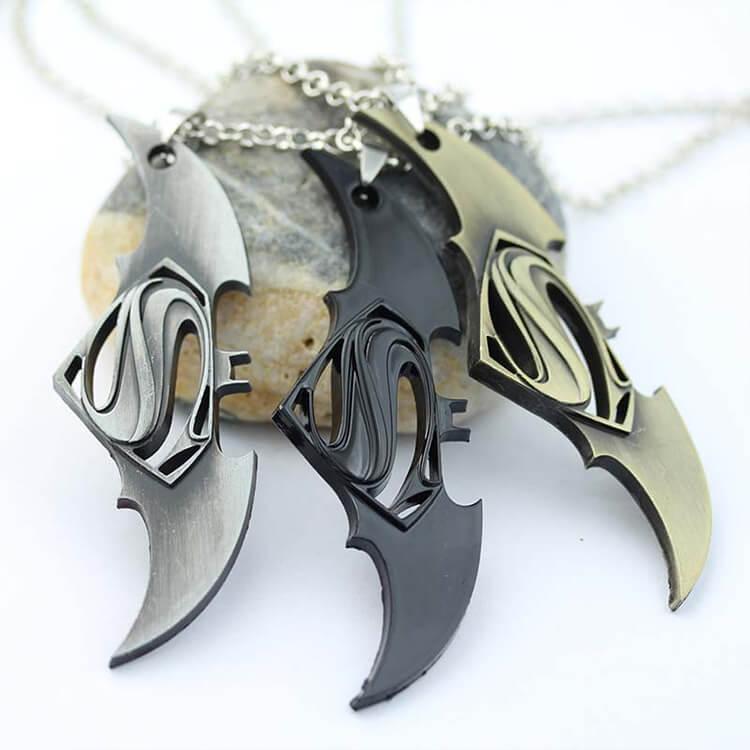 marvelsupermanbatman_necklace_3